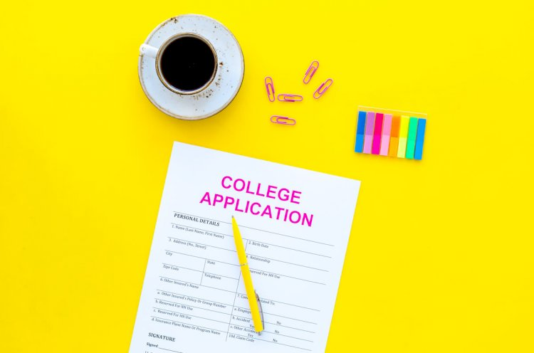 COLLEGE APPLICATION ESSAY: WHAT TO WRITE AND HOW TO WRITE IT